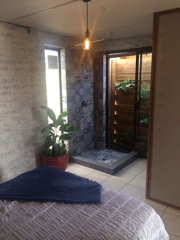 Private, self-contained, studio near Freo/beach