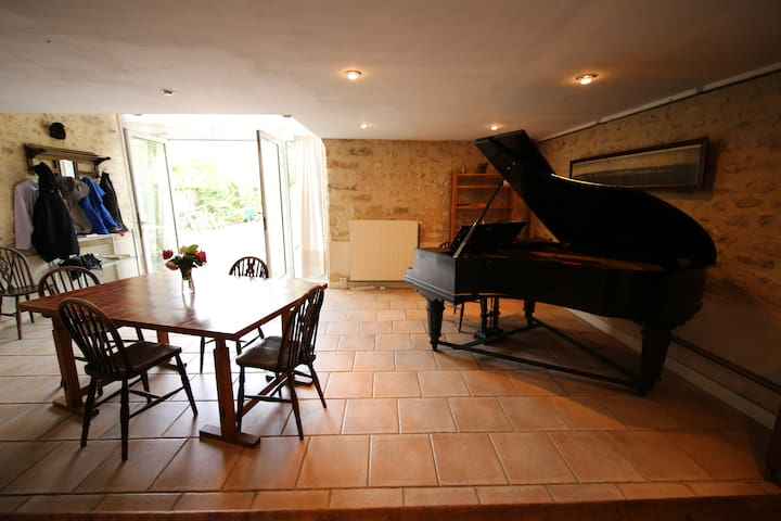 Calm convivial home on 3 levels - Grez-sur-Loing - Talo