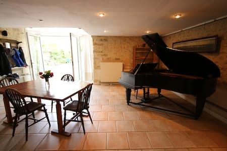 Calm convivial home on 3 levels - Grez-sur-Loing - Rumah