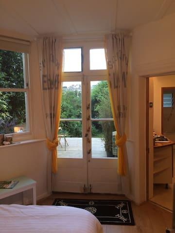 Studio flat with garden - Hastings