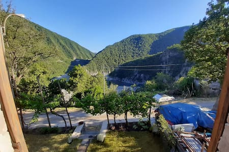 Breathtaking view stone house in Val Trebbia