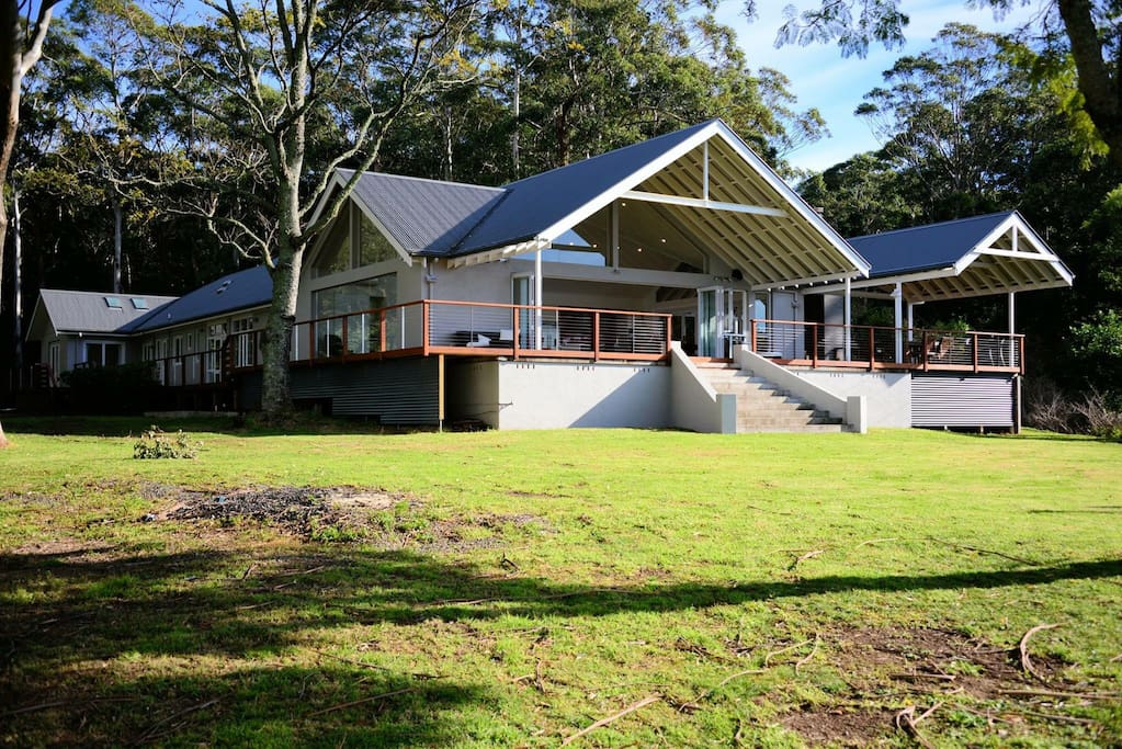 Amazing hinterland retreat vacation homes for rent in woodhill new south wales australia - Large summer houses energizing retreat ...