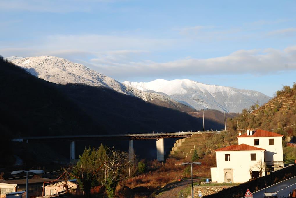 Panorama con vista sul monte Frontè
