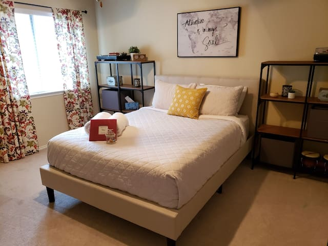 You'll enjoy this comfortable and roomy retreat!