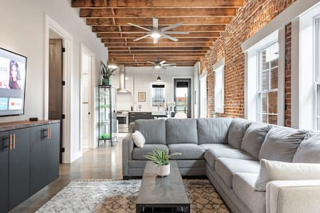 ★ Historic, Industrial Flat in the Heart of KC ★