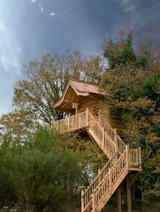 Cabane dans les arbres -Korrigan 4p - Moustoir-Ac