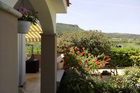 relaxing oasis, private room B&B - Multeddu