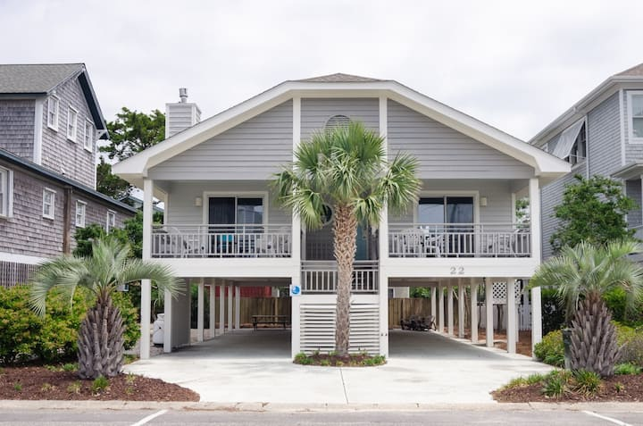 Sandy Paws-Pet friendly single family home steps from Banks Channel