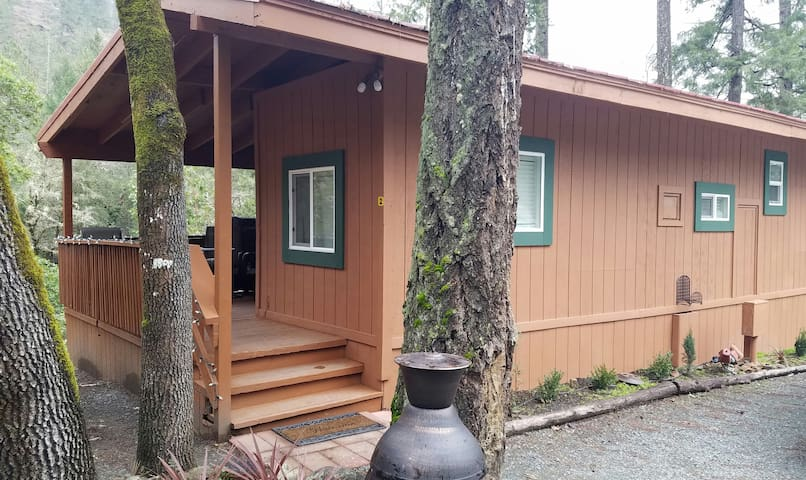 Creekside Cabin #2 - Grants Pass - Cabana