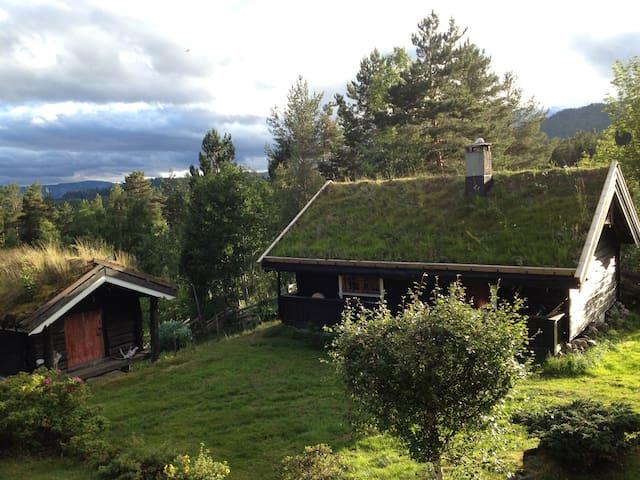 Vest-Telemark.Eldhus i trivelig tun.Tur og kultur