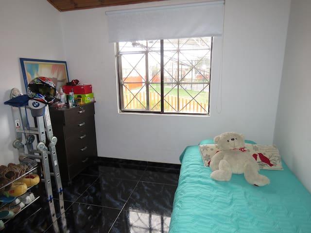 Acogedora Habitacion en Casa
