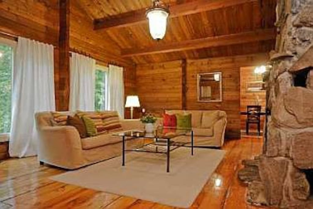 5 Bedrooms Log Cabin In The Woods Houses For Rent In