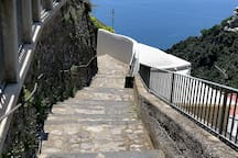Scale che portano alla Villa