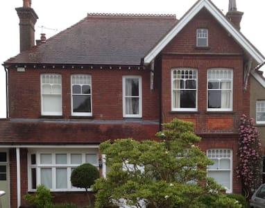 Edwardian House B&B - Ensuite - Chichester