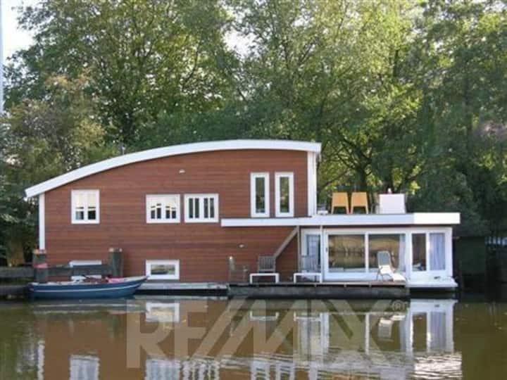 Big light Houseboat in Rdam; 130m2!