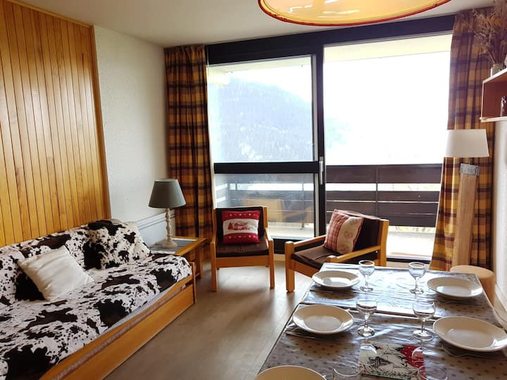 Nice apartment for 9 closed to the slopes and shops