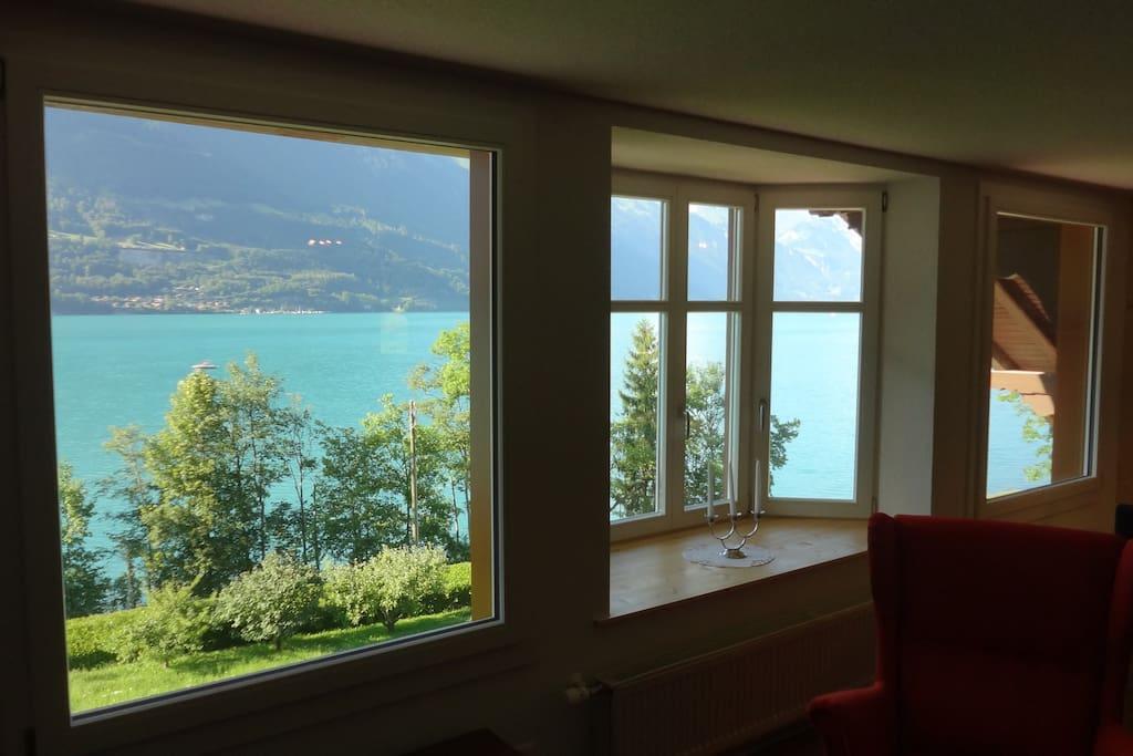 Sicht auf See vom Wohnzimmer aus