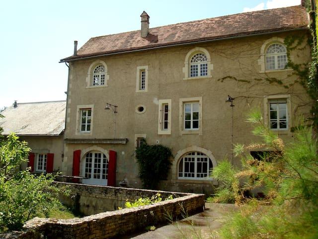 La maison côté jardin