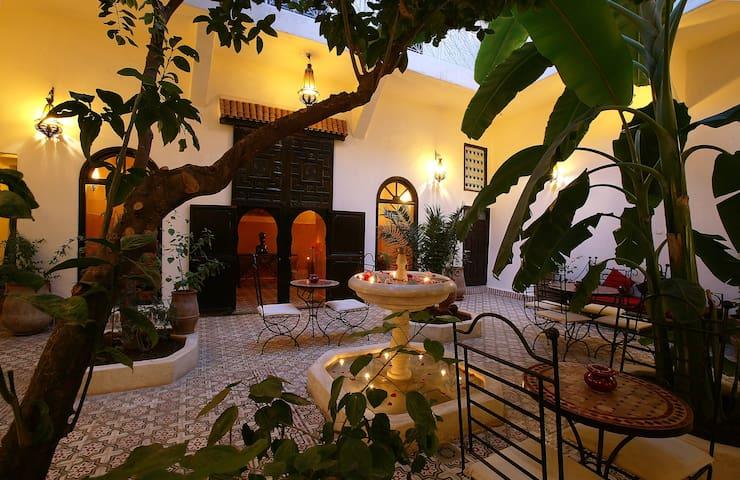 Radija room,  terrace, Jacuzzi,  Riad Dar Tayib