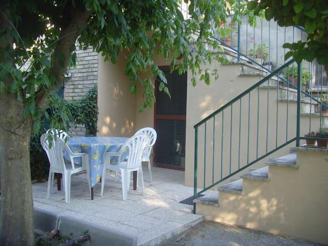 La casa di Campagna - Montecosaro - House