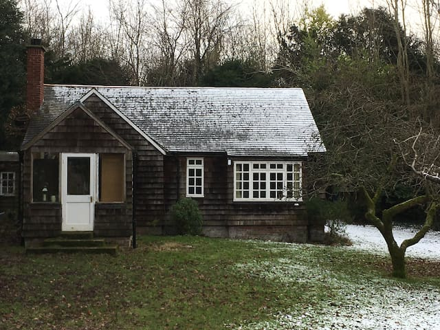 Shelly's in the woods - A Goldilocks cottage - Barham - (ukendt)