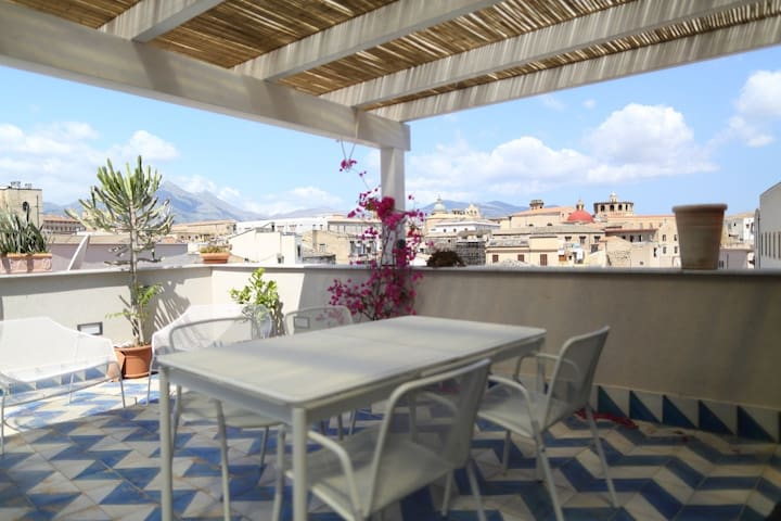 Apartment with panoramic terraces in the center - Palermo - Apartment