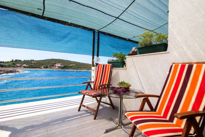 Two Bedroom Apartment, beachfront in Gdinj - island Hvar, Terrace