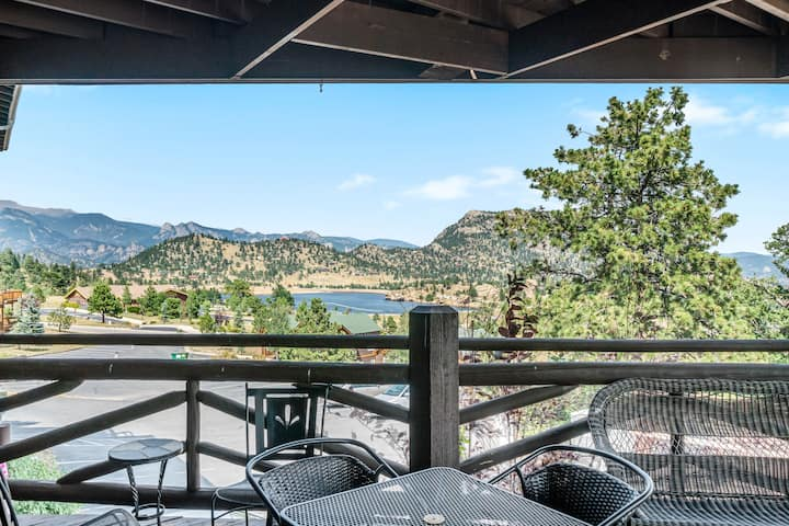 Taylor Peak 102 - 2 Br condo with fireplace, Marys Lake and mountain views!