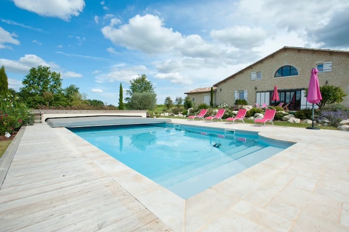 Charmante maison avec piscine - Thénac - Casa