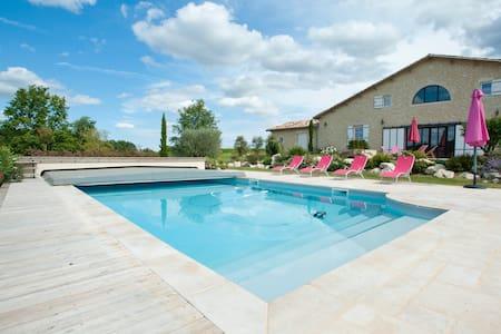 Charmante maison avec piscine