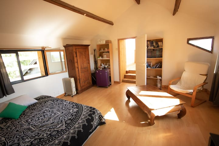 Chambre 2, à l'étage avec terrasse privative