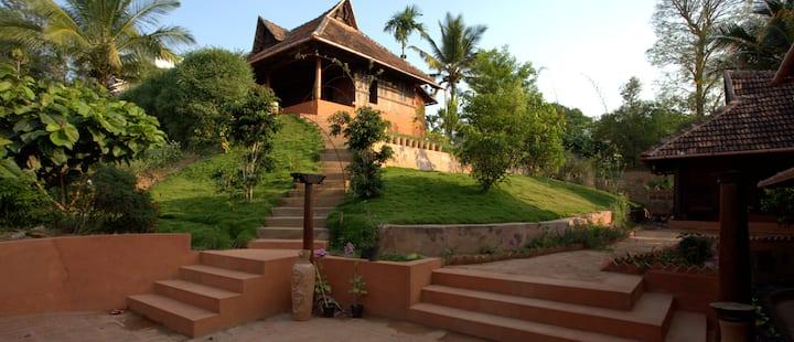 Malikappura Wayanad ( 1 room Heritage villa)