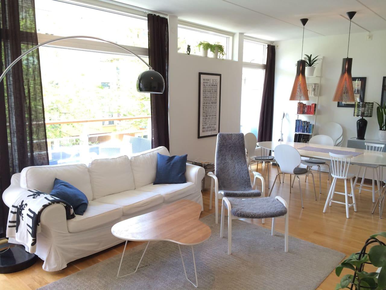 Light and social living room.