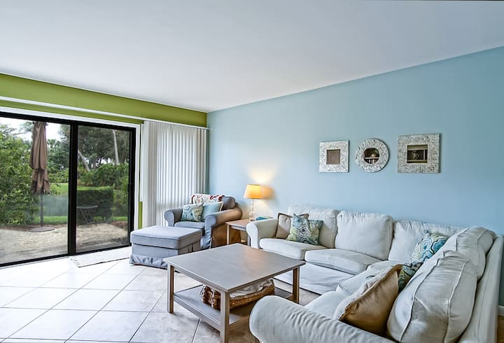 CC 1011 2/1.5 Pond View Condo - Welcome to Paradise