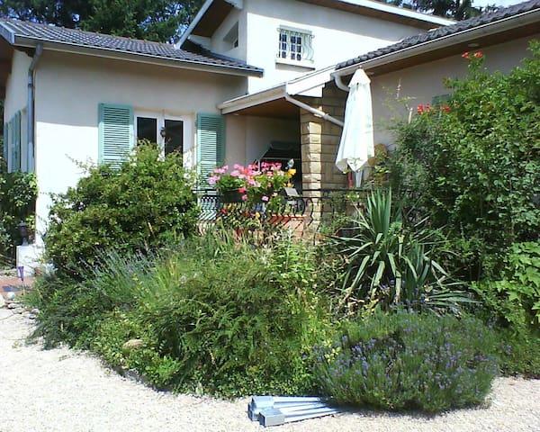 Il Caprifoglio - Saint-Didier-de-Formans - House