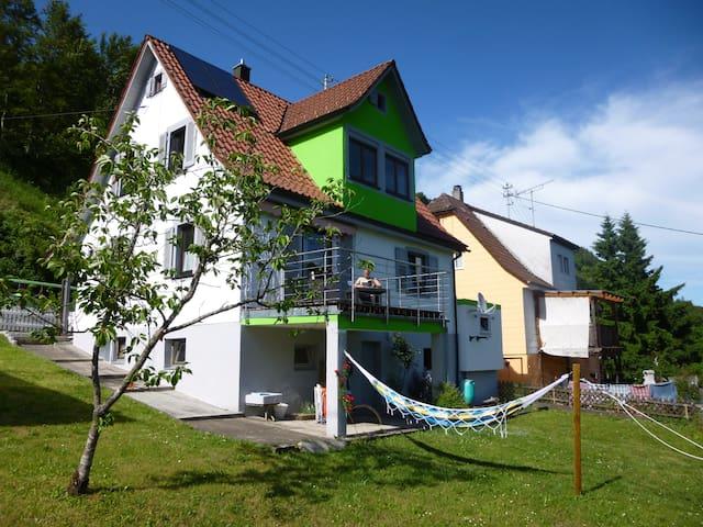 Zimmer m. Garten und Neckartalblick