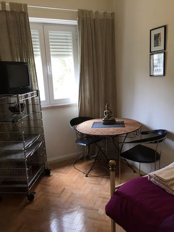 ROOM+Bathroom - 15 min to Center City (metro ROMA)