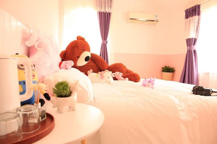 逅海.Hello Kitty 可住2人 卡通风亲子大床房 青岛崂山海滨别墅 聚会旅游品尝海鲜