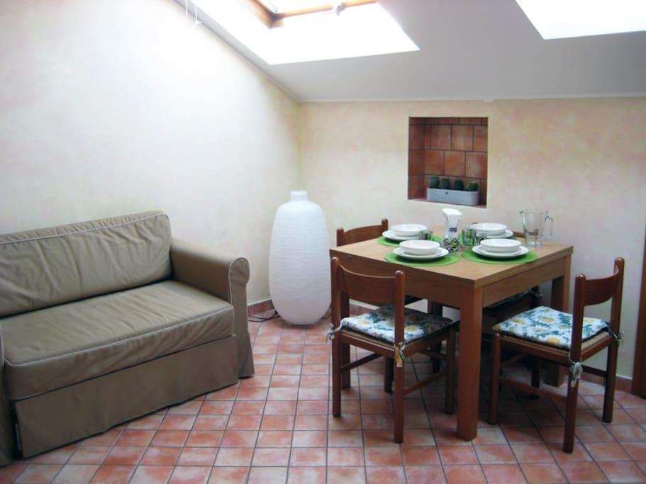 Mansarda openspace in bergamo appartamenti in affitto a for Appartamenti in affitto bergamo