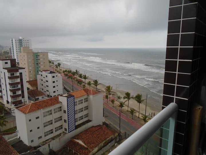 Apartamento em Mongaguá, Frente ao Mar
