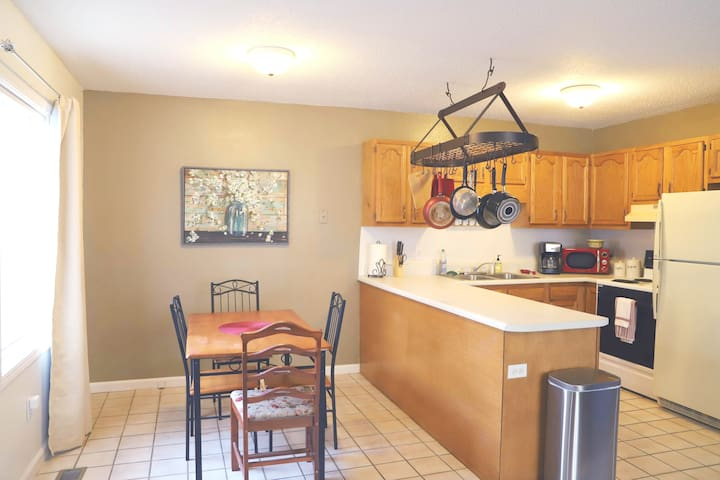 Appalachian Private Home - 15 minutes to Asheville