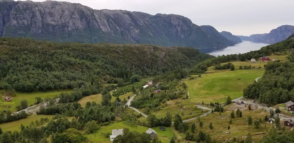 Hytte i Hatleskog, Songesand, Lysefjorden