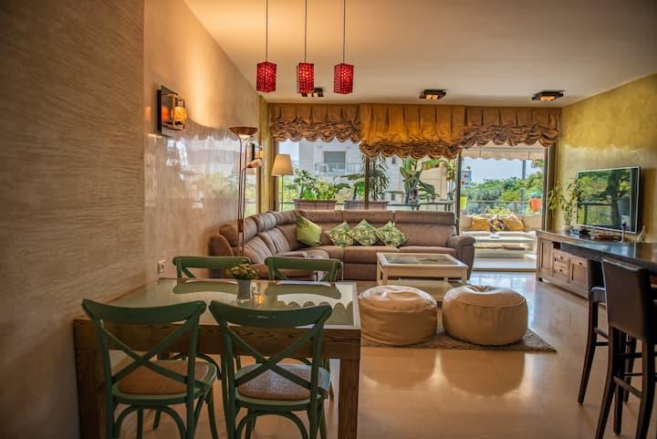 Tel Aviv North / Luxury Apartment w/ Pool,Spa&Gym