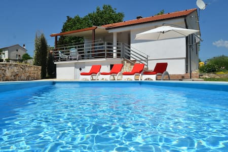 Relaxing holiday house near Rovinj - Kurili - Haus