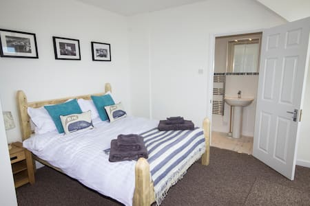 2 bed house, Mevagissey, Cornwall - House