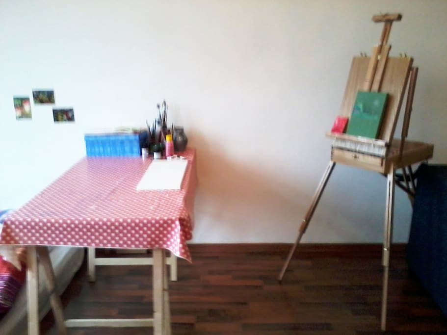 if you happen to be an artist, feel free to use my easel :)