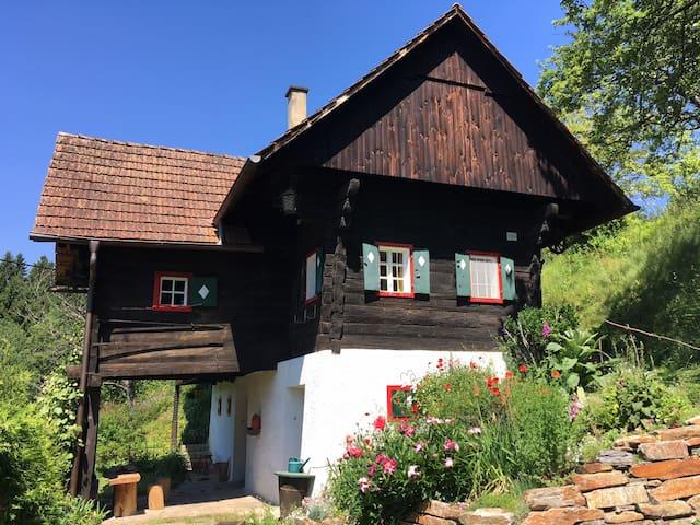 Winzerhaus mitten in den Weinbergen