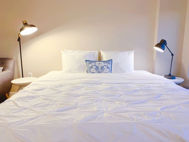 ♢【South End】Chic & Spacious Apt in Central Area♢