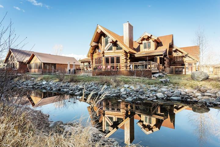 River Crest Cabin