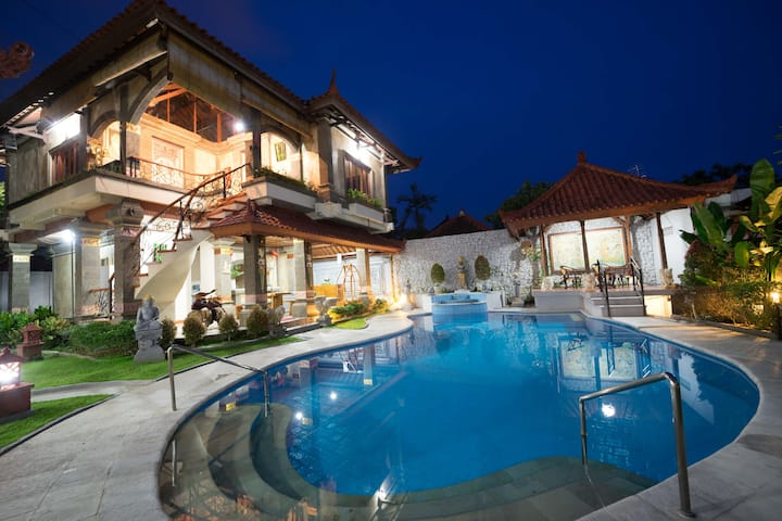 BEACHSIDE! 4 BEDROOMS VILLA WITH BIG PRIVATE POOL!